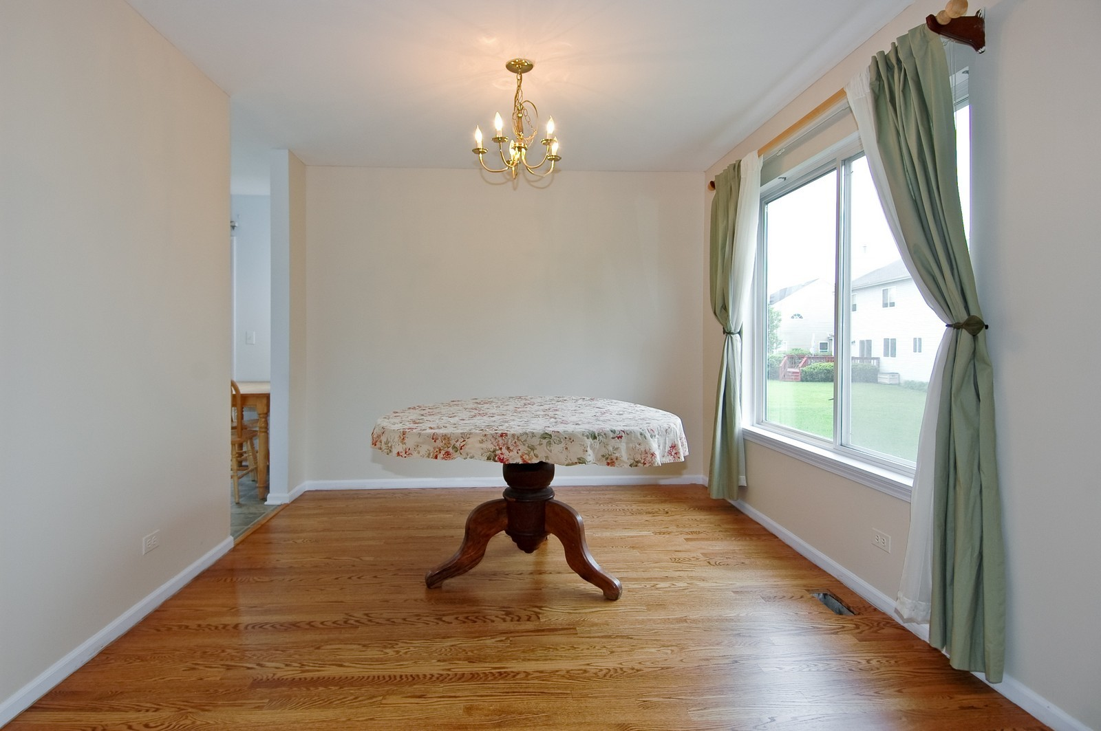 Real Estate Photography - 1086 Camillia, Fox River Grove, IL, 60021 - Dining Room