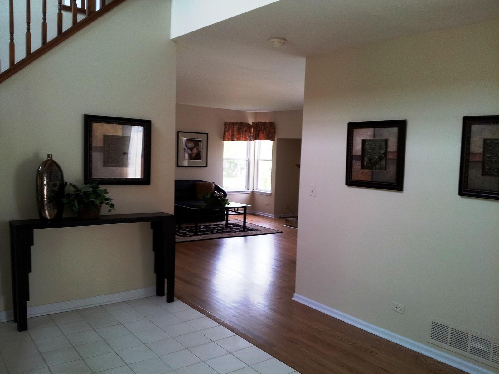 Real Estate Photography - 1086 Camillia, Fox River Grove, IL, 60021 - Entryway