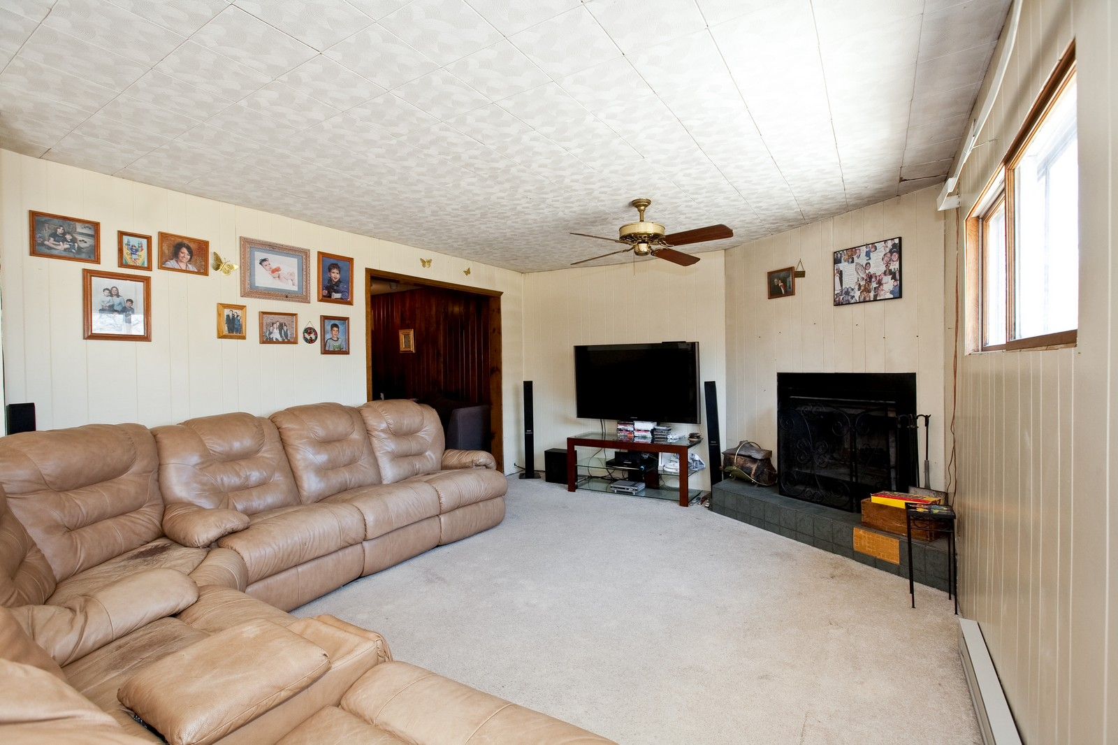Real Estate Photography - 521 N Park, Westmont, IL, 60559 - Family Room