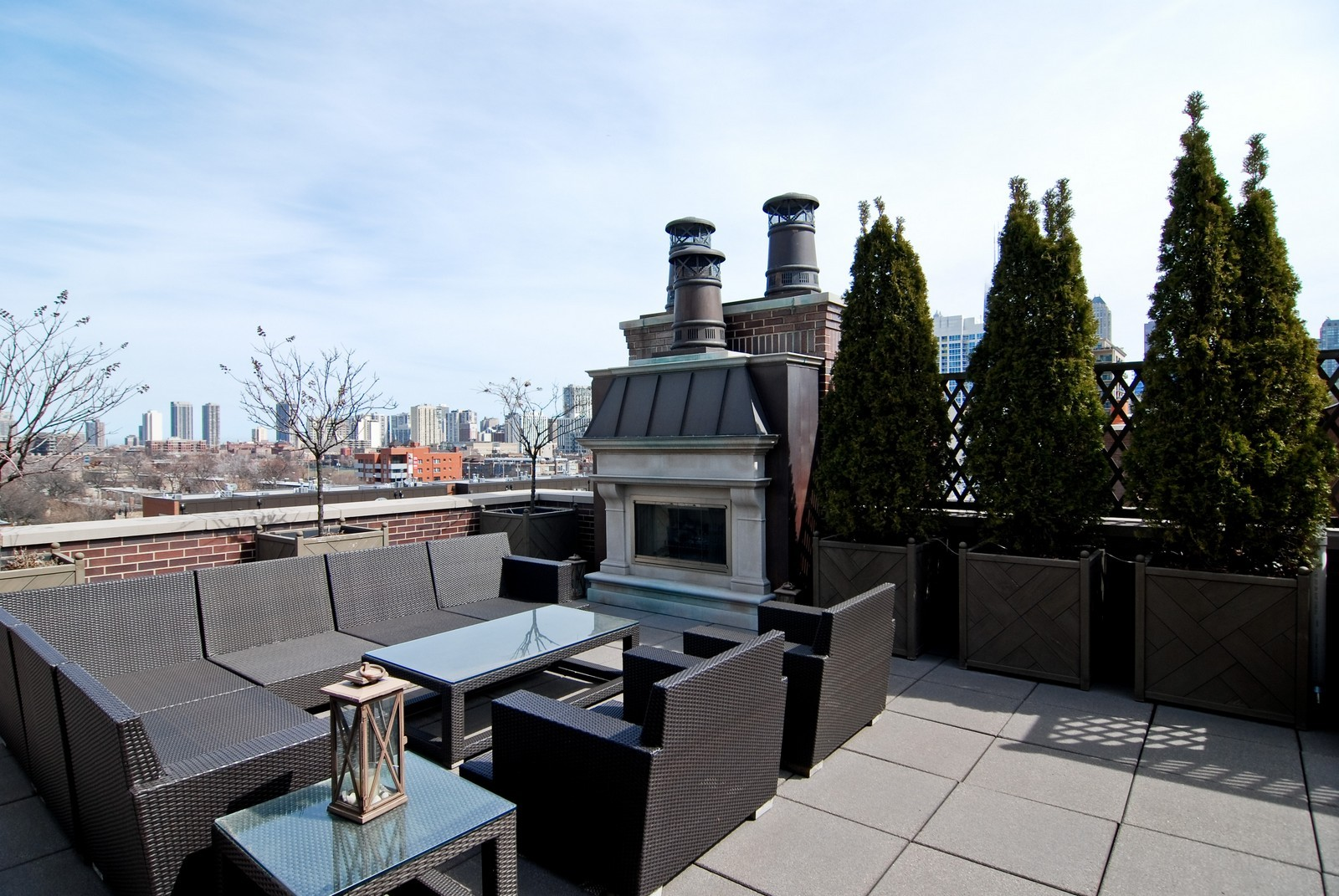 Real Estate Photography - 729 N Kingsbury, Chicago, IL, 60654 - Terrace