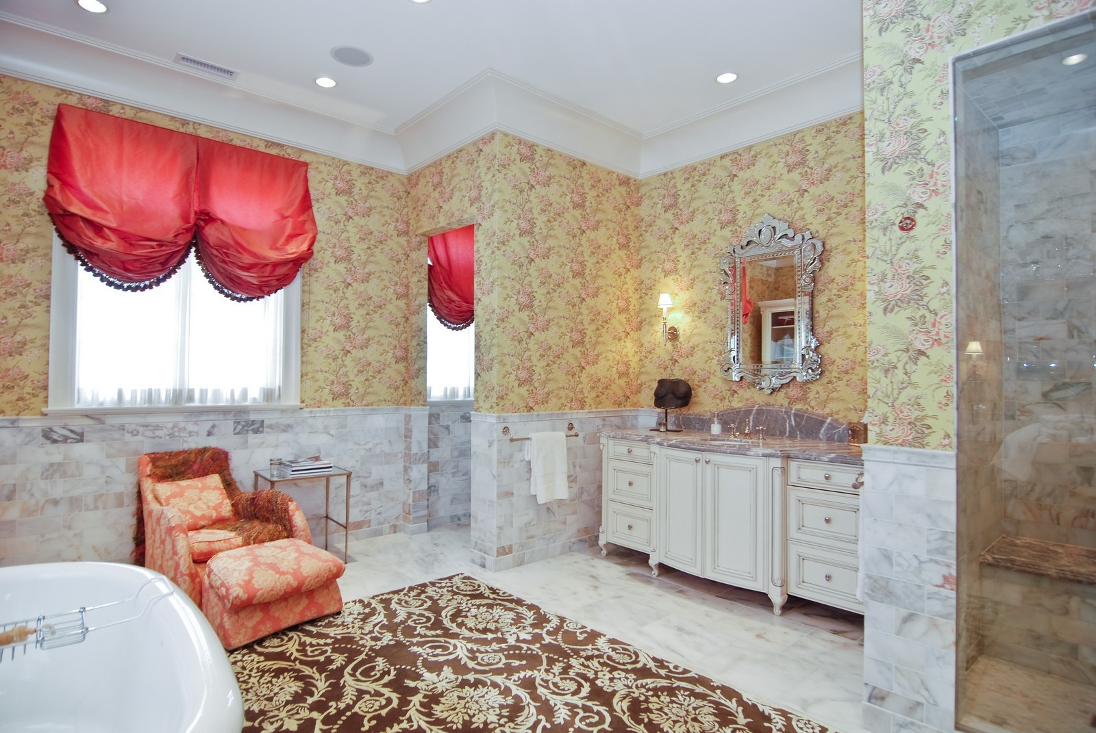 Real Estate Photography - 729 N Kingsbury, Chicago, IL, 60654 - Master Bathroom