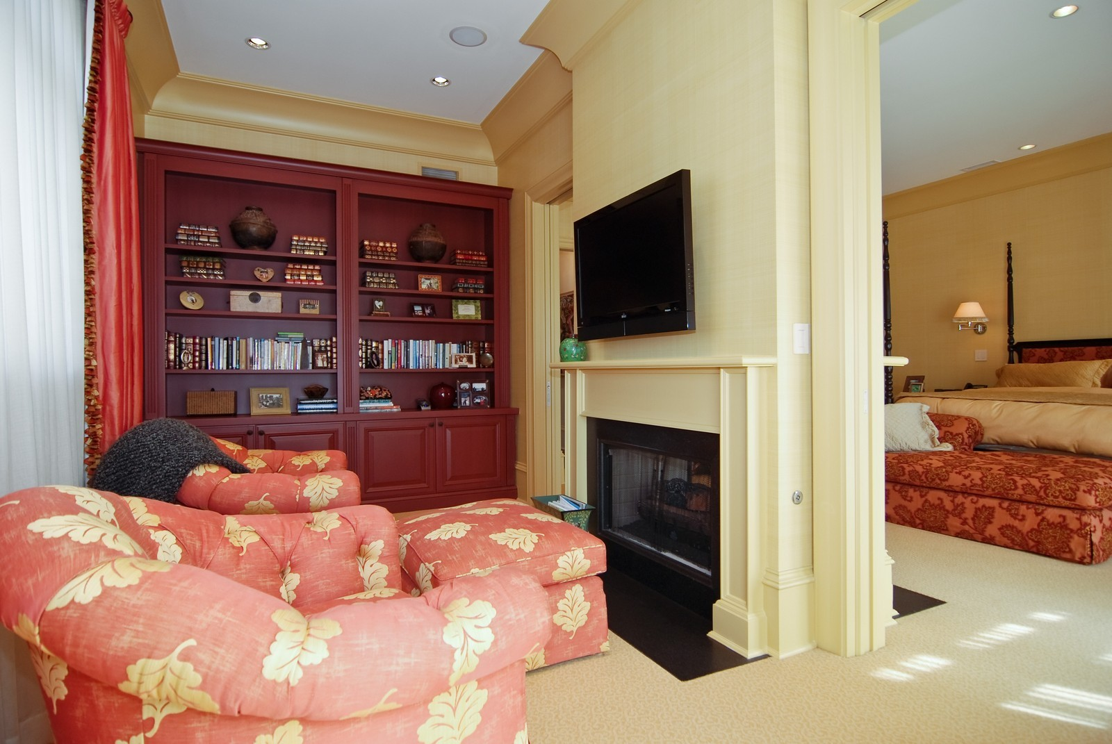 Real Estate Photography - 729 N Kingsbury, Chicago, IL, 60654 - Master Bedroom