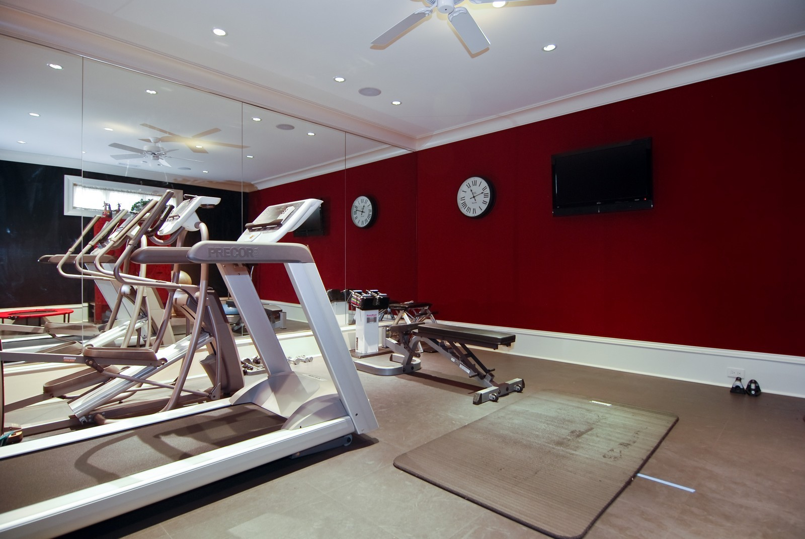 Real Estate Photography - 729 N Kingsbury, Chicago, IL, 60654 - Exercise Room