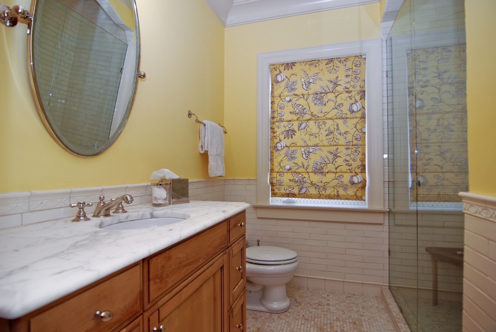 Real Estate Photography - 729 N Kingsbury, Chicago, IL, 60654 - Bathroom