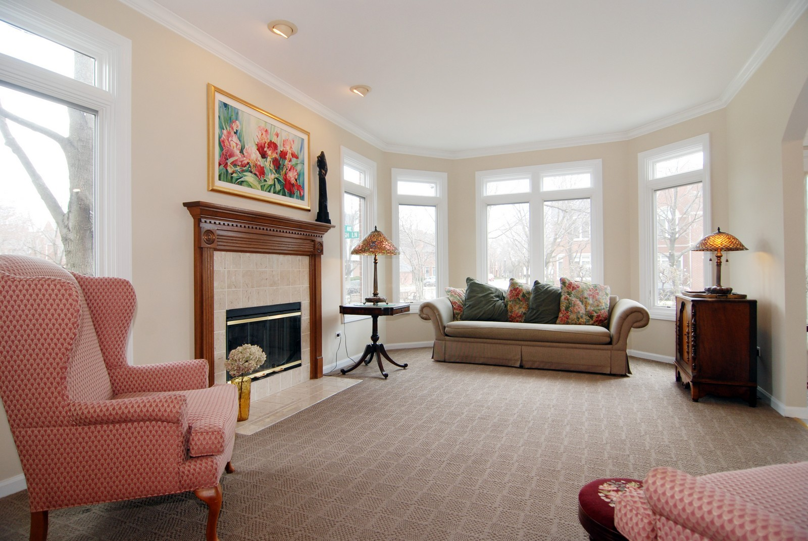 Real Estate Photography - 5918 N Sauganash Ln, Chicago, IL, 60647 - Living Room