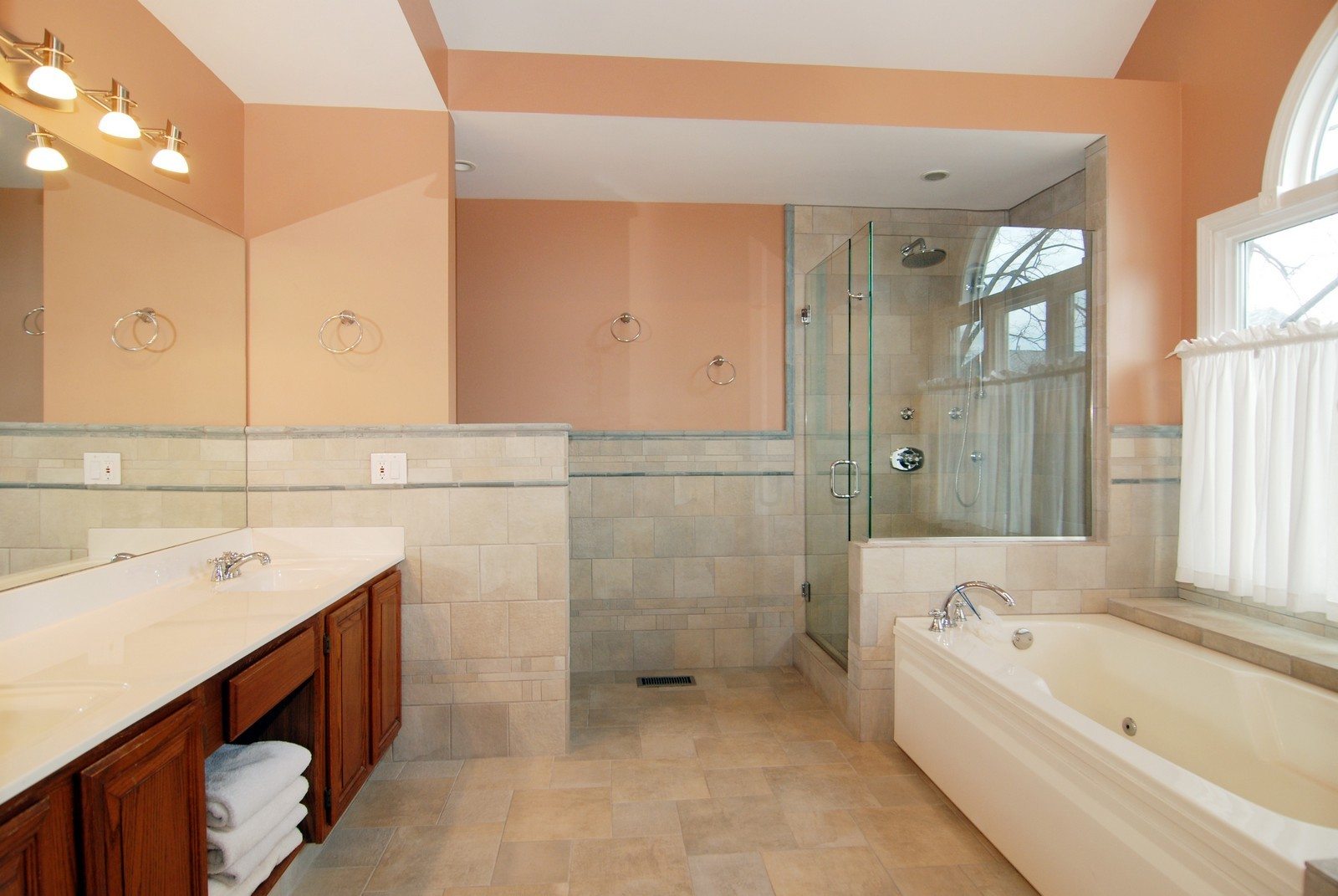 Real Estate Photography - 5918 N Sauganash Ln, Chicago, IL, 60647 - Master Bathroom