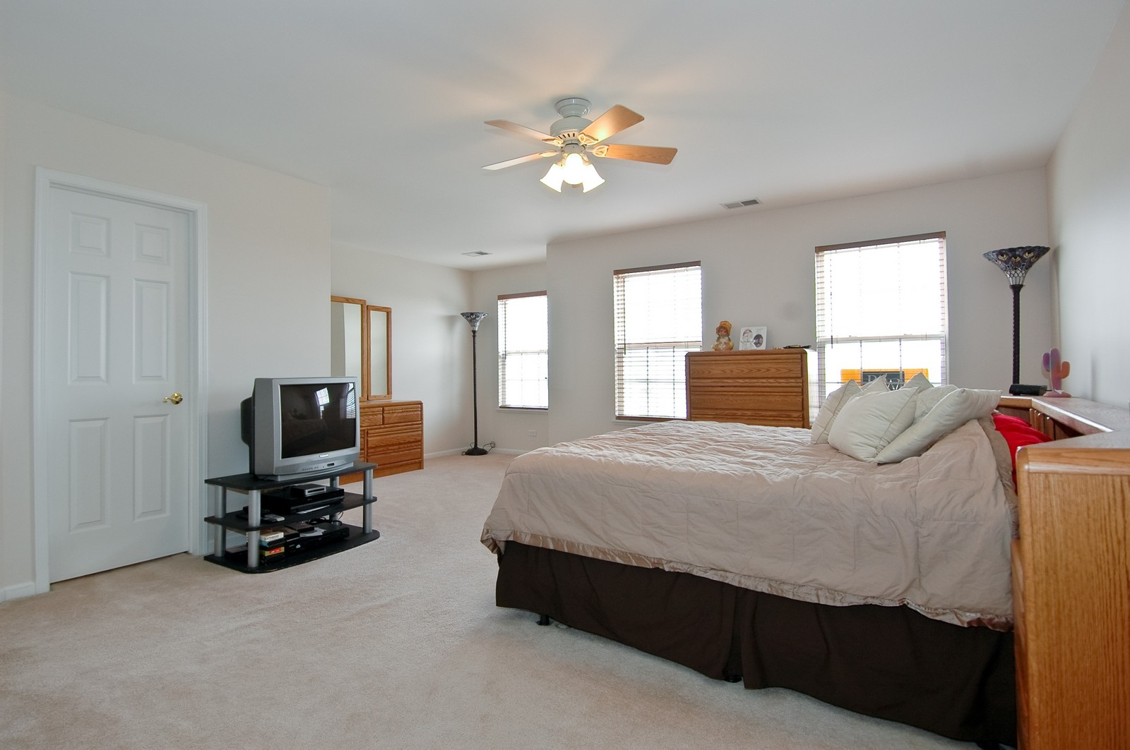 Real Estate Photography - 2623 Cobblestone, Crystal Lake, IL, 60012 - Master Bedroom