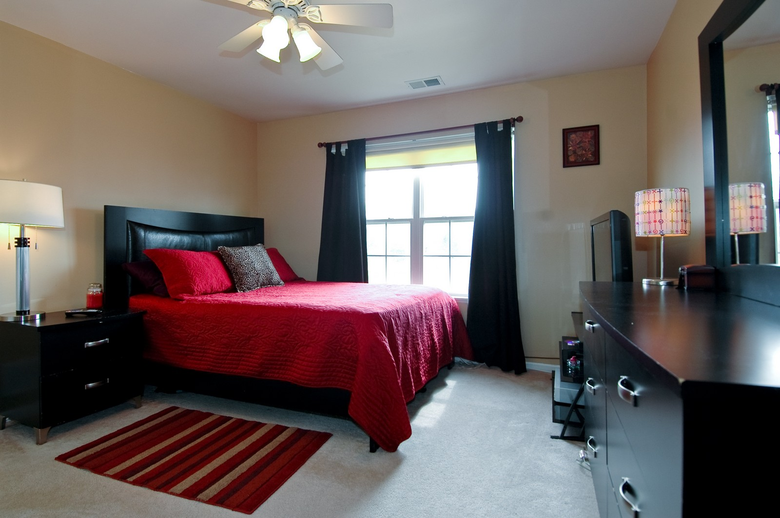 Real Estate Photography - 2623 Cobblestone, Crystal Lake, IL, 60012 - Bedroom