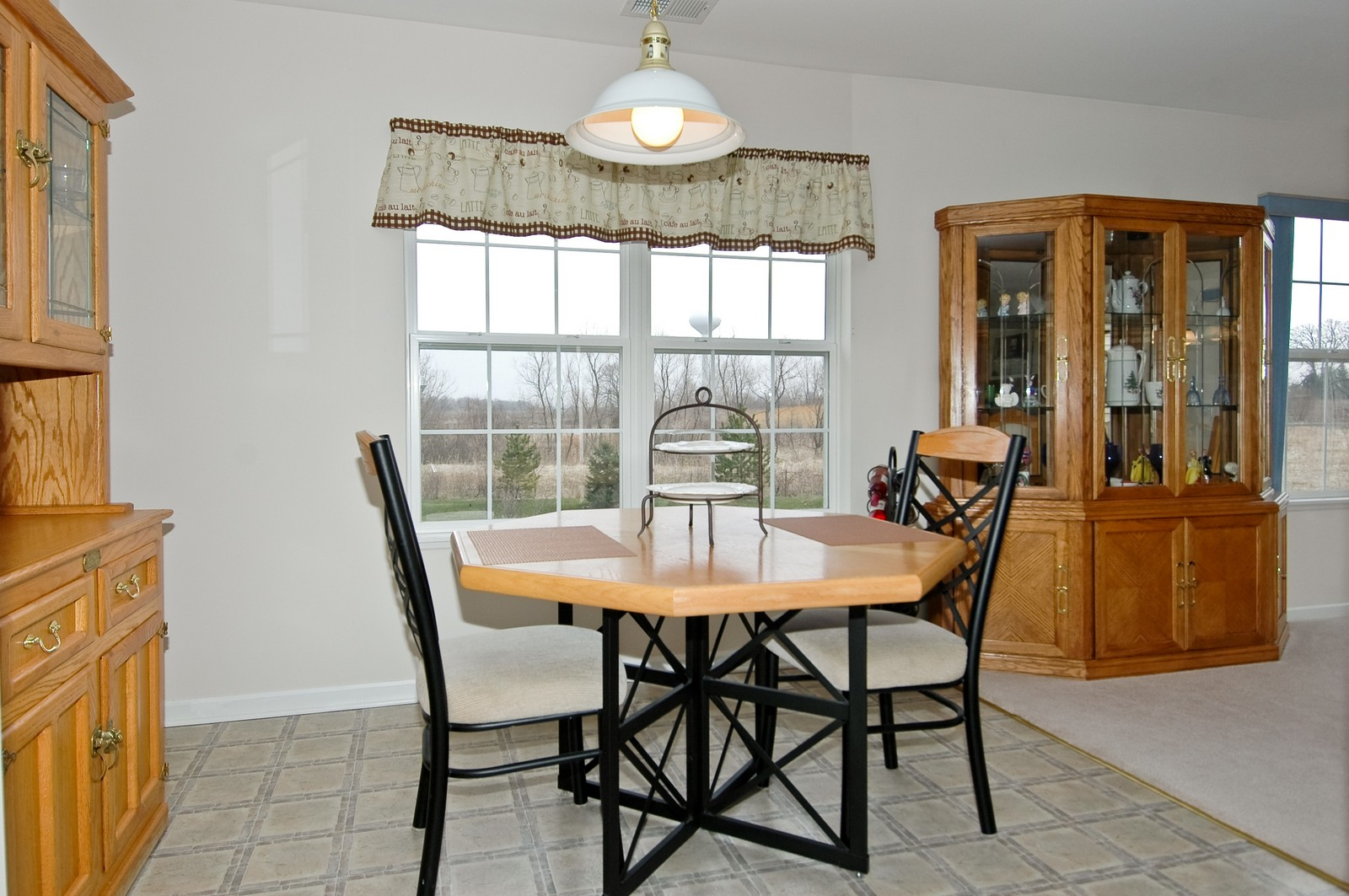 Real Estate Photography - 2623 Cobblestone, Crystal Lake, IL, 60012 - Dining Area