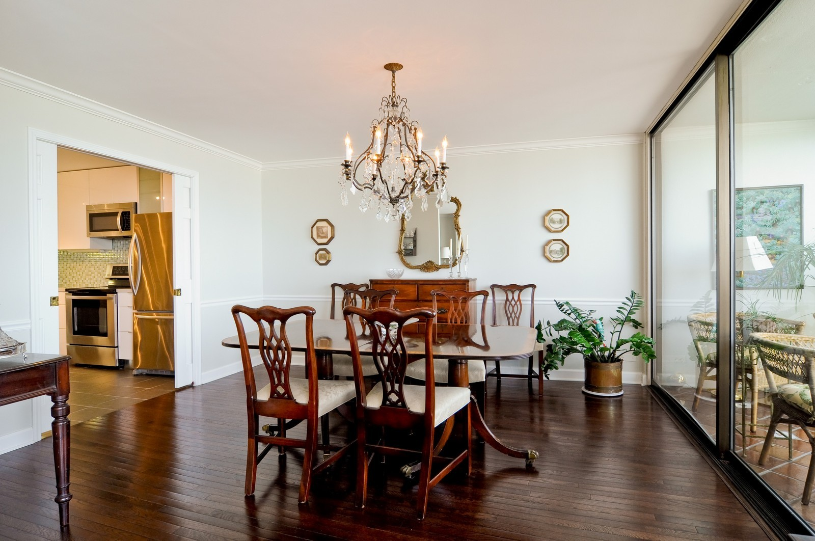Real Estate Photography - 1500 Sheridan, 3F, Wilmette, IL, 60091 - Dining Room
