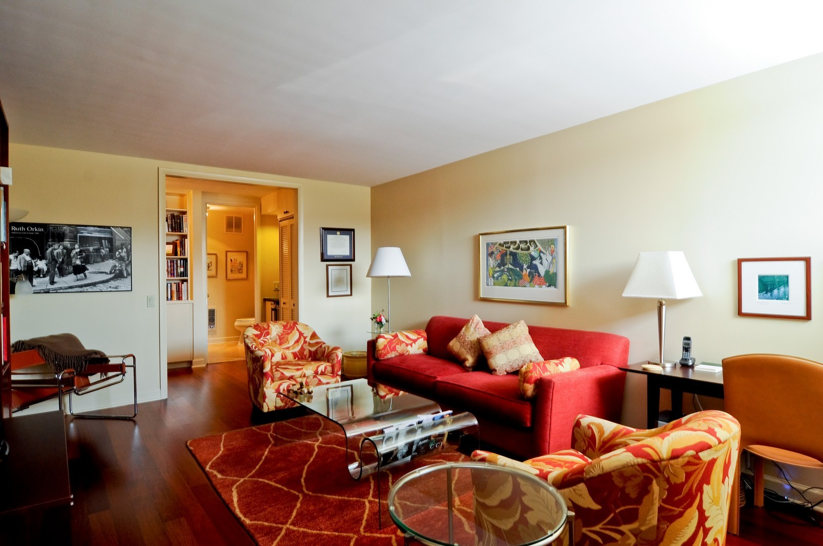 Real Estate Photography - 1500 Sheridan, 3F, Wilmette, IL, 60091 - Family Room