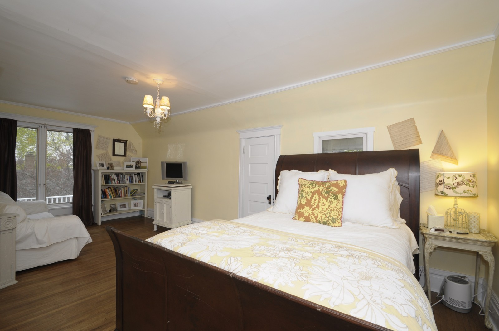 Real Estate Photography - 35 N 12th, Saint Charles, IL, 60174 - Master Bedroom