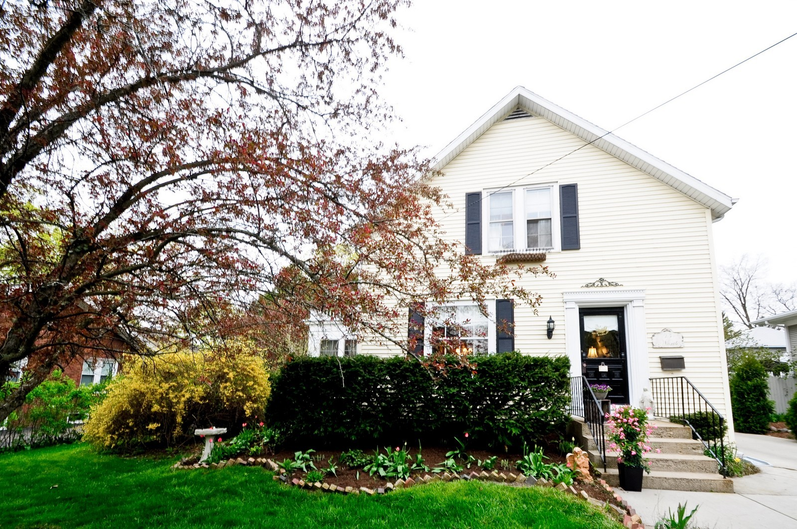 Real Estate Photography - 35 N 12th, Saint Charles, IL, 60174 - Front View