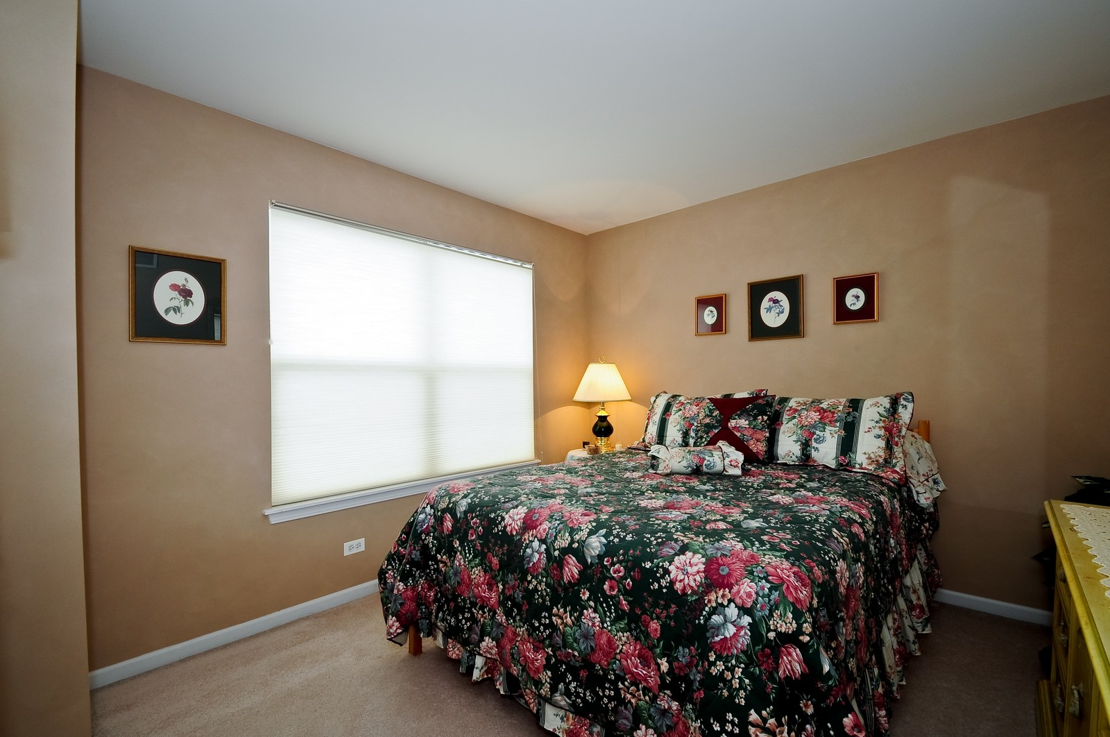 Real Estate Photography - 2012 Wagner, 206, Batavia, IL, 60510 - 2nd Bedroom
