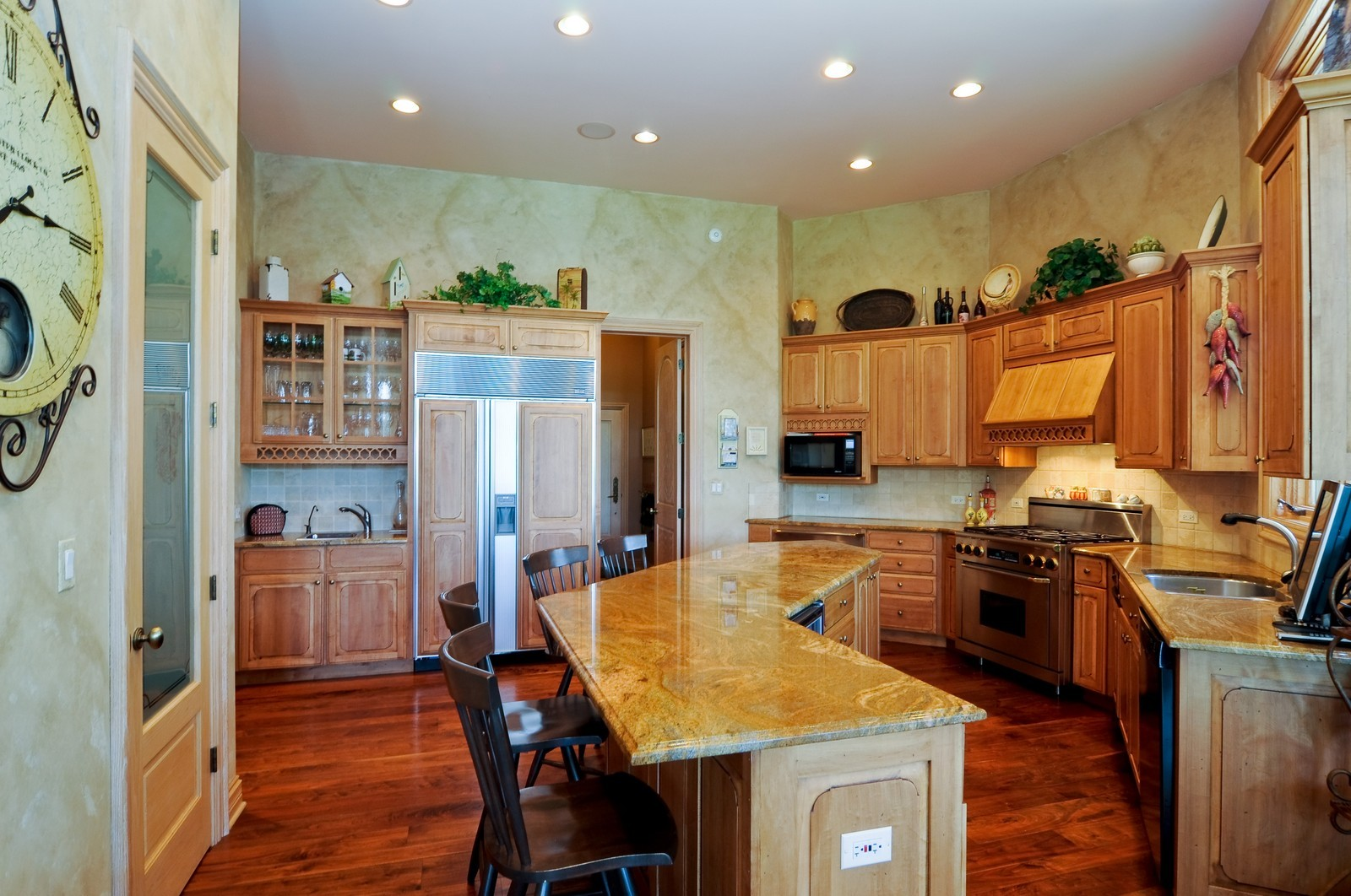 Real Estate Photography - 49 Brittany, Oakwood Hills, IL, 60013 - Kitchen