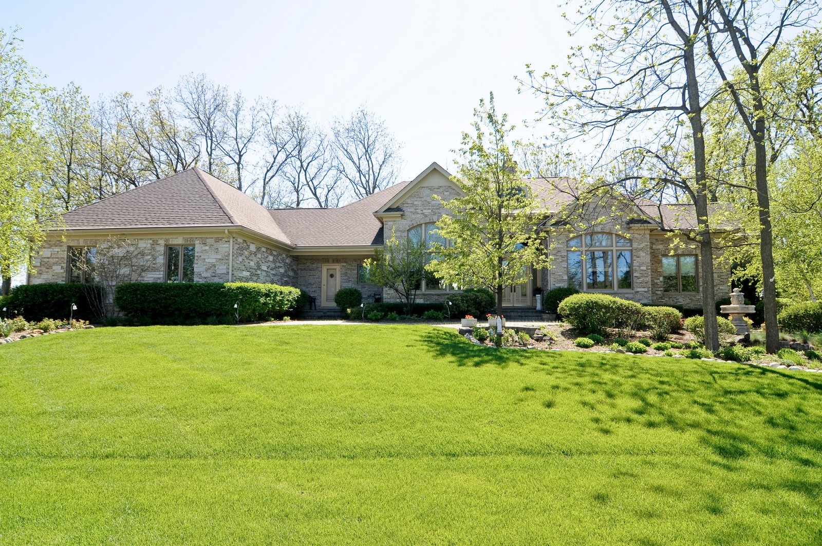 Real Estate Photography - 49 Brittany, Oakwood Hills, IL, 60013 - Front View