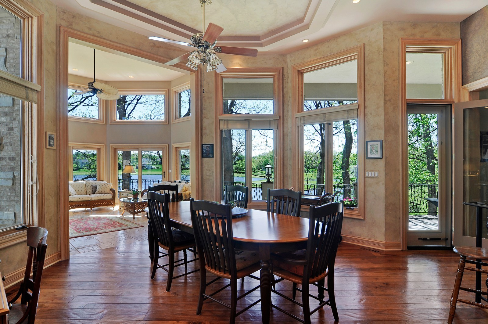 Real Estate Photography - 49 Brittany, Oakwood Hills, IL, 60013 - Breakfast Nook