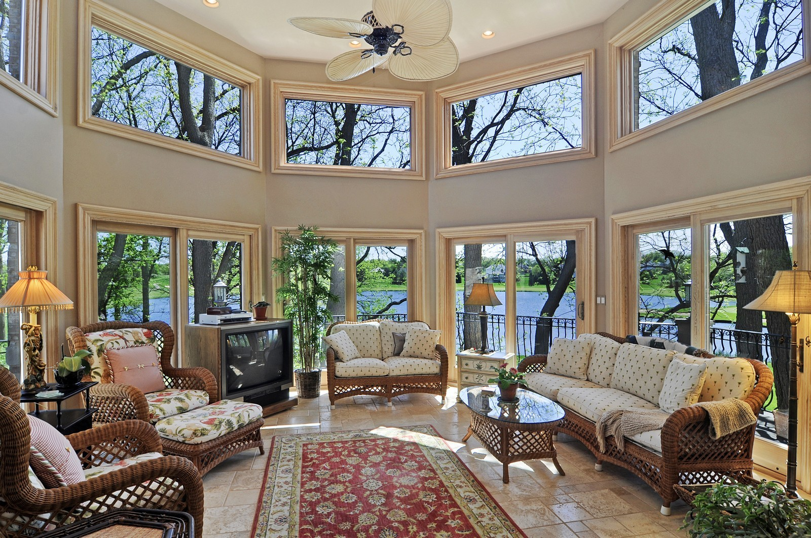 Real Estate Photography - 49 Brittany, Oakwood Hills, IL, 60013 - Sun Room