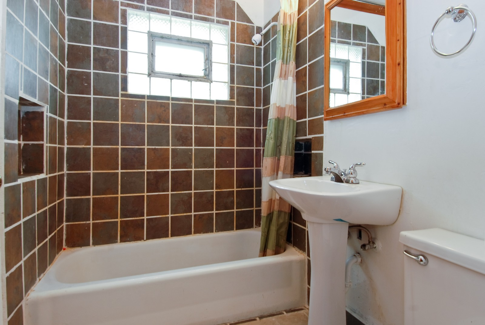 Real Estate Photography - 840 N Third, Geneva, IL, 60134 - Bathroom