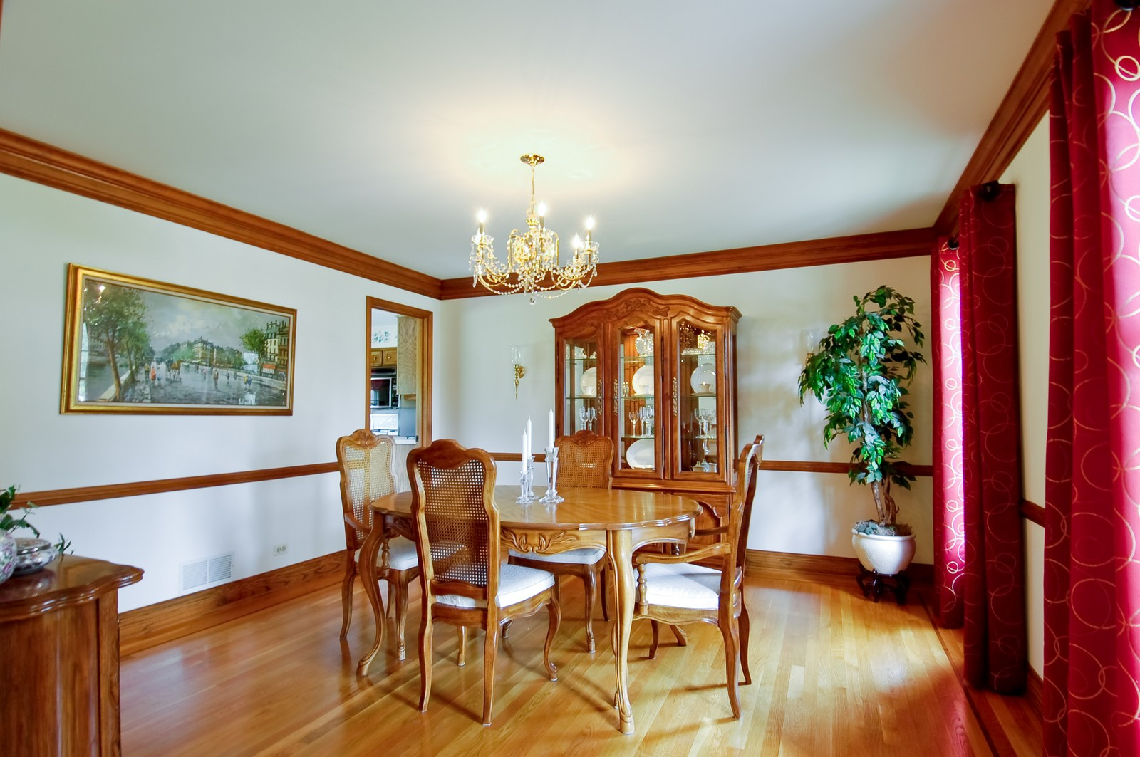 Real Estate Photography - 1S560 Verdun, Winfield, IL, 60190 - Dining Room