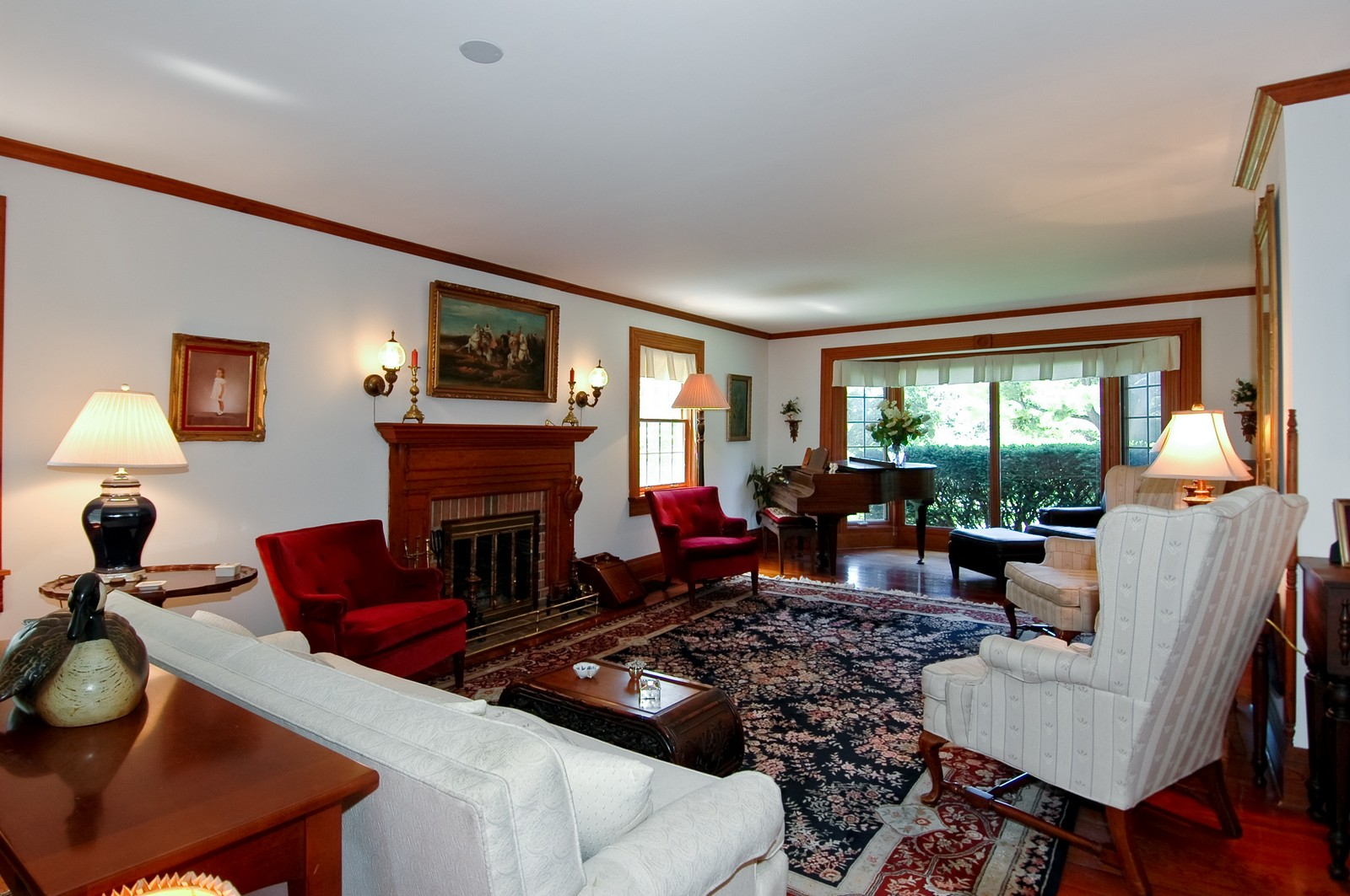 Real Estate Photography - 724 N Valley Hill, Bull Valley, IL, 60098 - Living Room