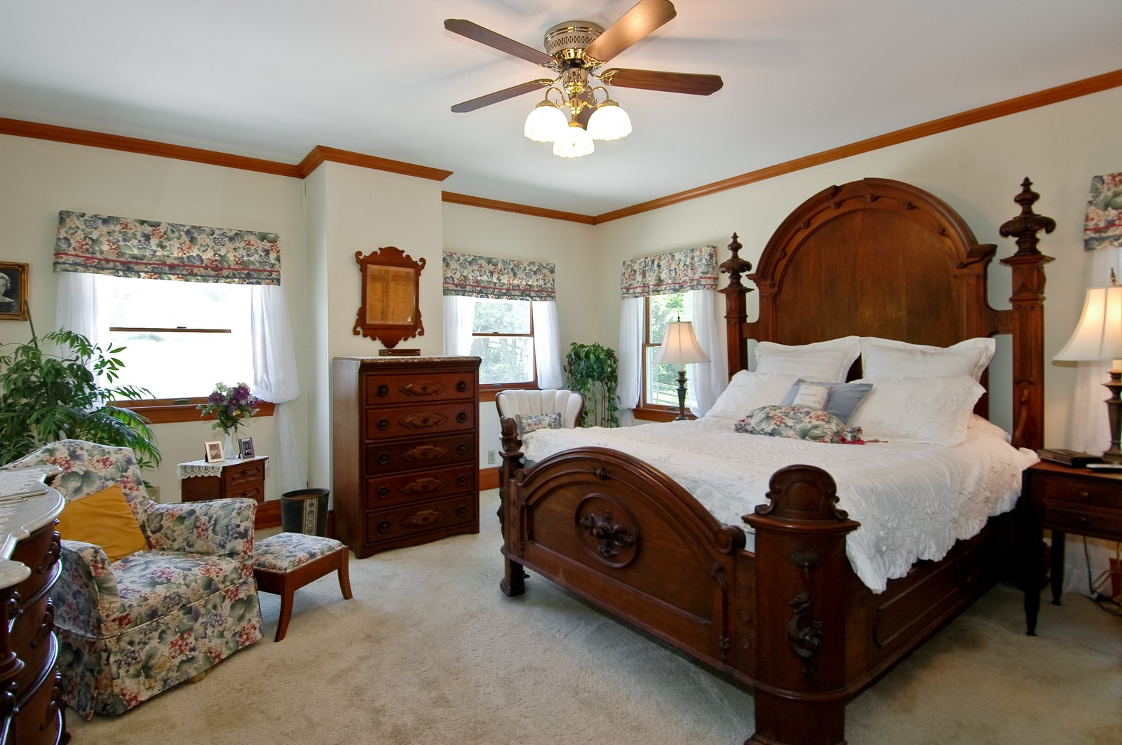 Real Estate Photography - 724 N Valley Hill, Bull Valley, IL, 60098 - Master Bedroom
