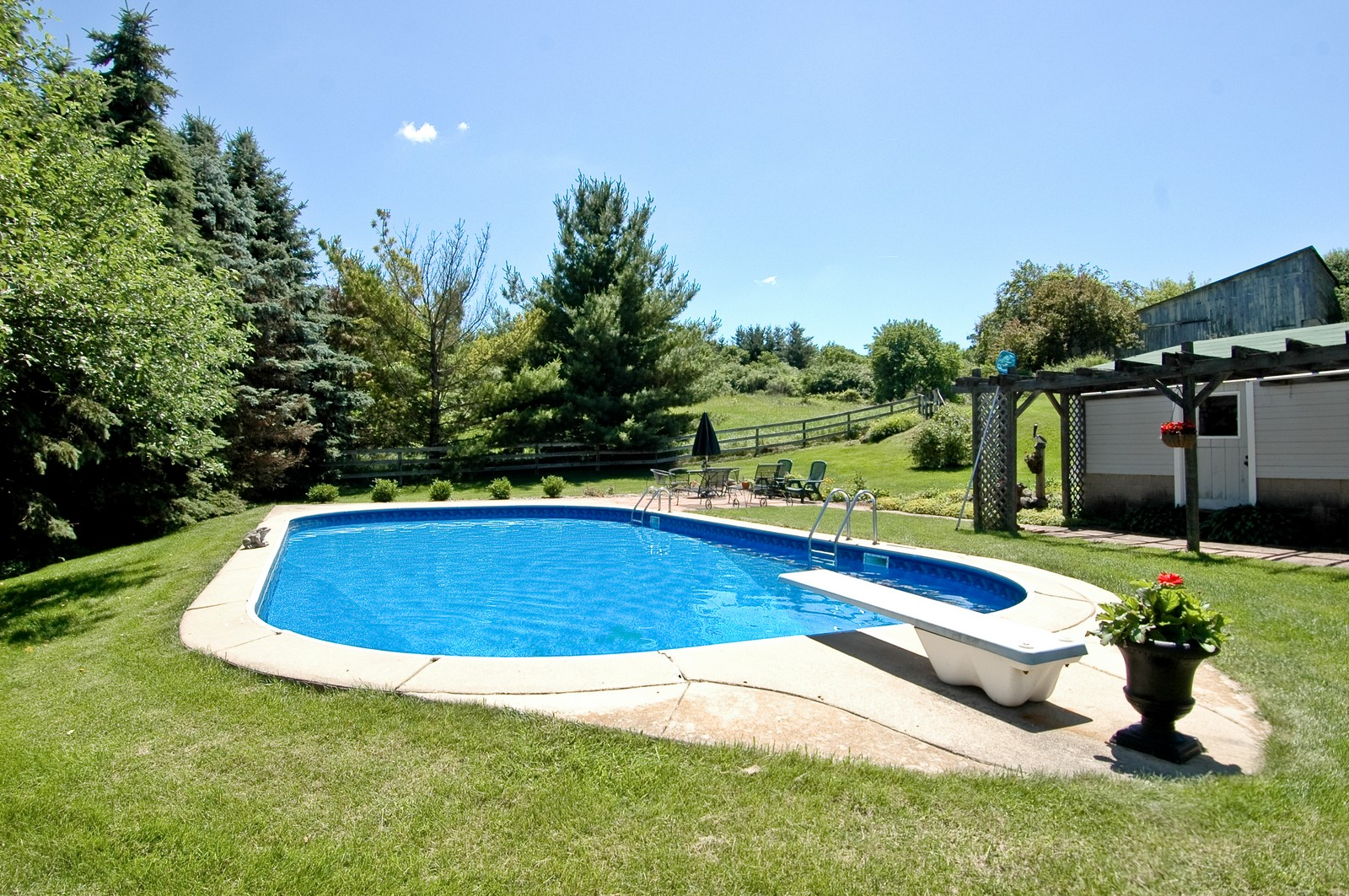 Real Estate Photography - 724 N Valley Hill, Bull Valley, IL, 60098 - Pool