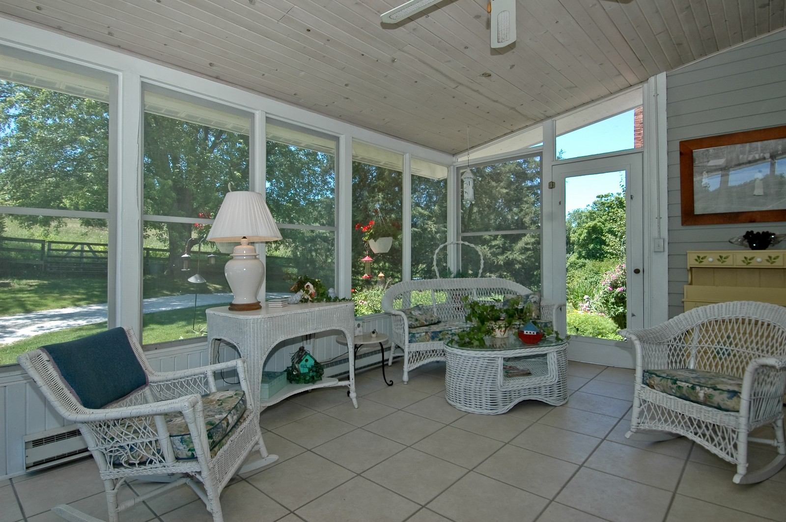 Real Estate Photography - 724 N Valley Hill, Bull Valley, IL, 60098 - Porch