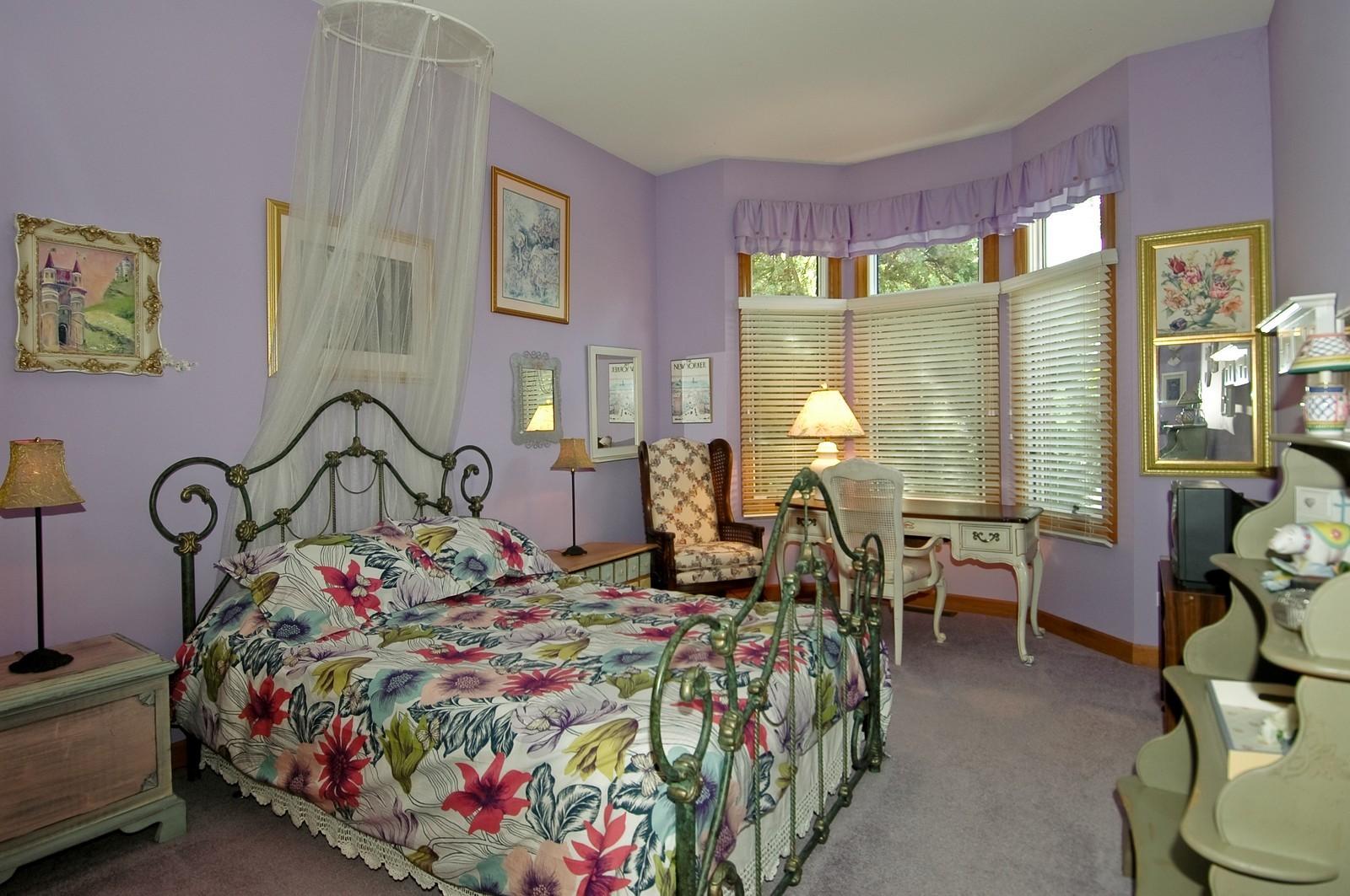 Real Estate Photography - 5 La Costa, Lake in the Hills, IL, 60156 - Bedroom