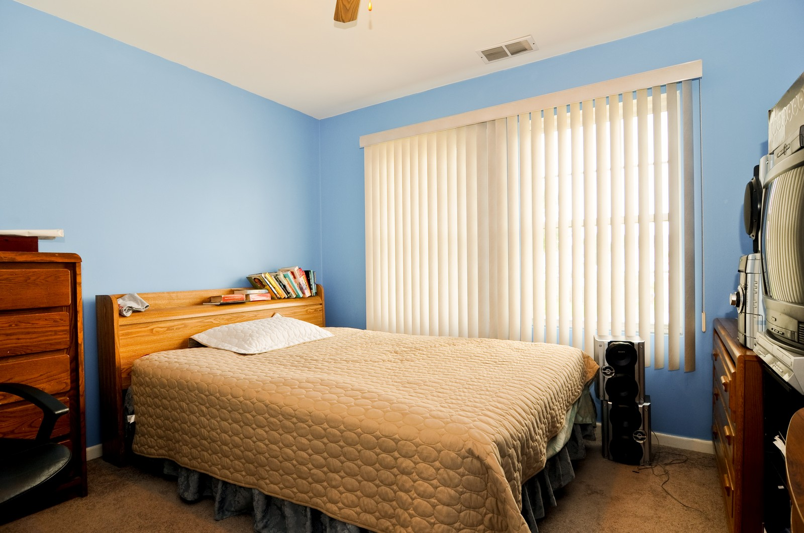 Real Estate Photography - 523 Lowe, Chicago Heights, IL, 60411 - 2nd Bedroom