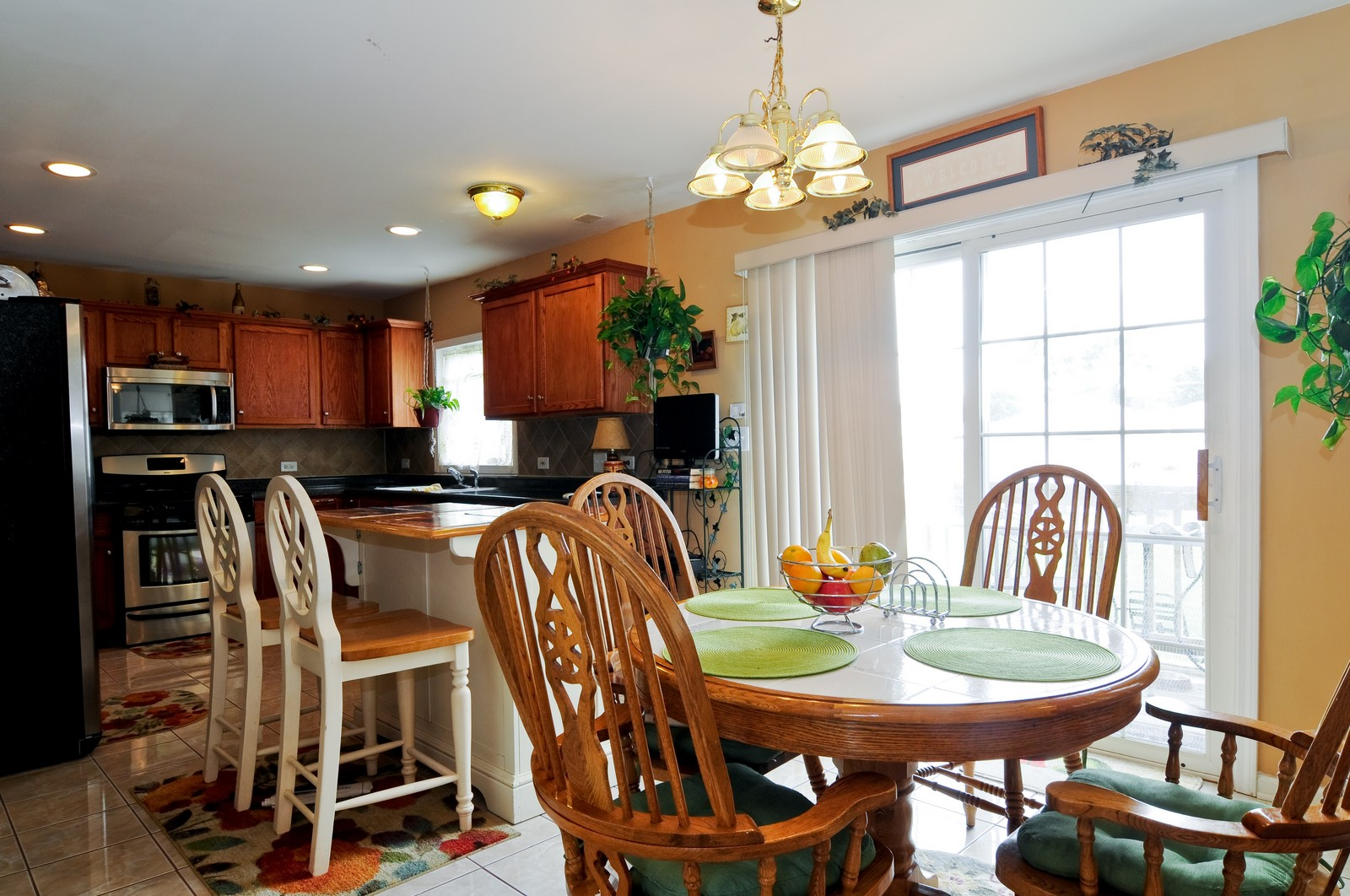 Real Estate Photography - 523 Lowe, Chicago Heights, IL, 60411 - Kitchen / Breakfast Room