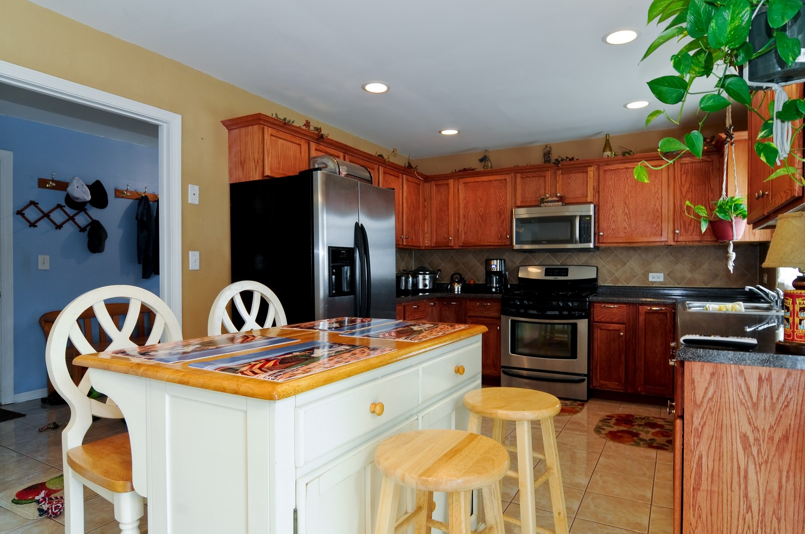 Real Estate Photography - 523 Lowe, Chicago Heights, IL, 60411 - Kitchen