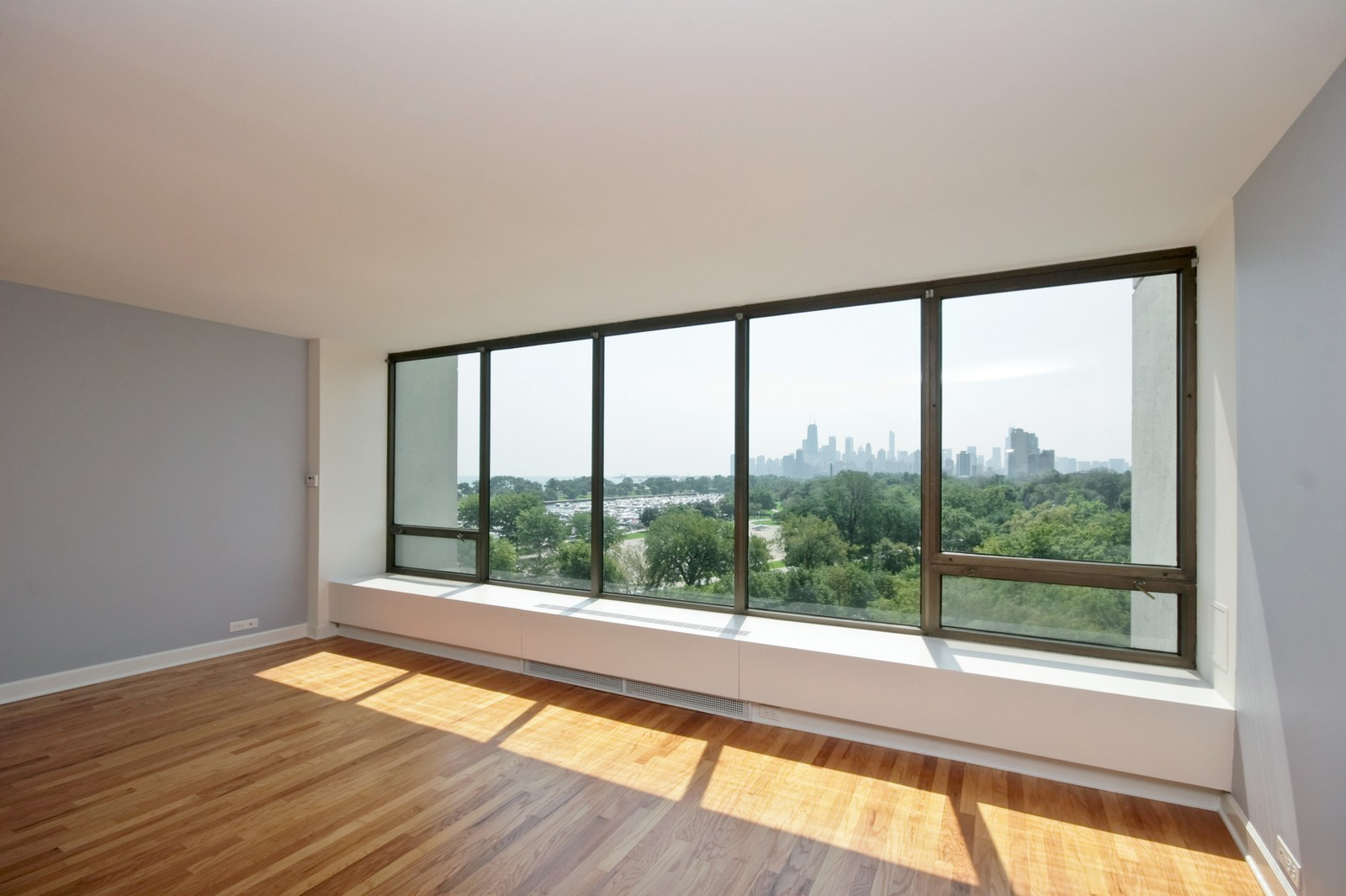 Real Estate Photography - 2800 N Lake Shore, Unit 806, Chicago, IL, 60657 - Living Room