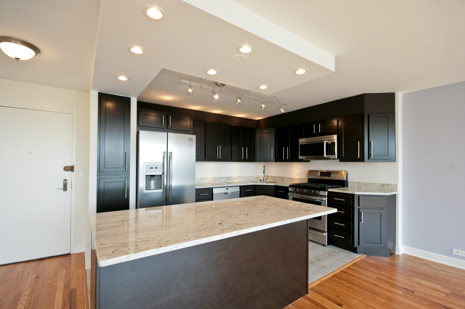 Real Estate Photography - 2800 N Lake Shore, Unit 806, Chicago, IL, 60657 - Kitchen