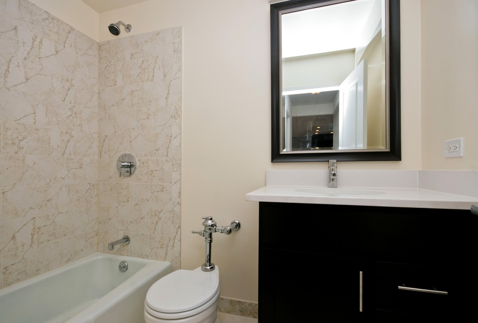 Real Estate Photography - 2800 N Lake Shore, Unit 806, Chicago, IL, 60657 - Bathroom