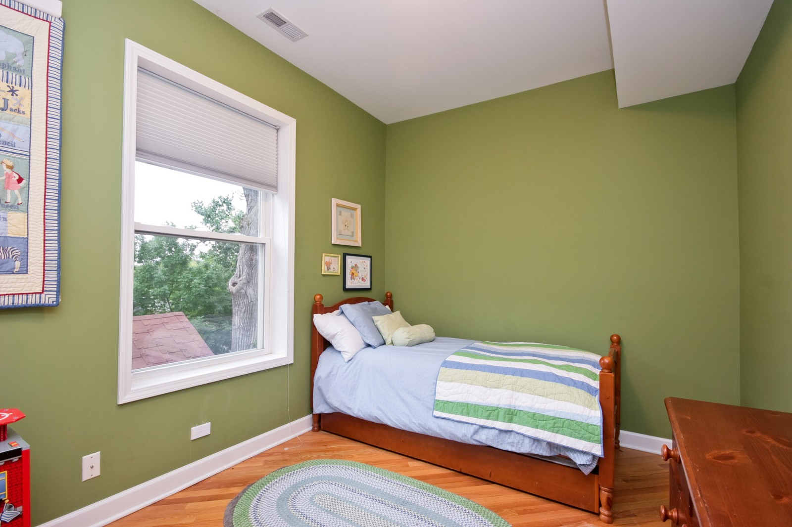 Real Estate Photography - 3705 N Paulina, Unit 3, Chicago, IL, 60613 - 2nd Bedroom - Bright room with large closet