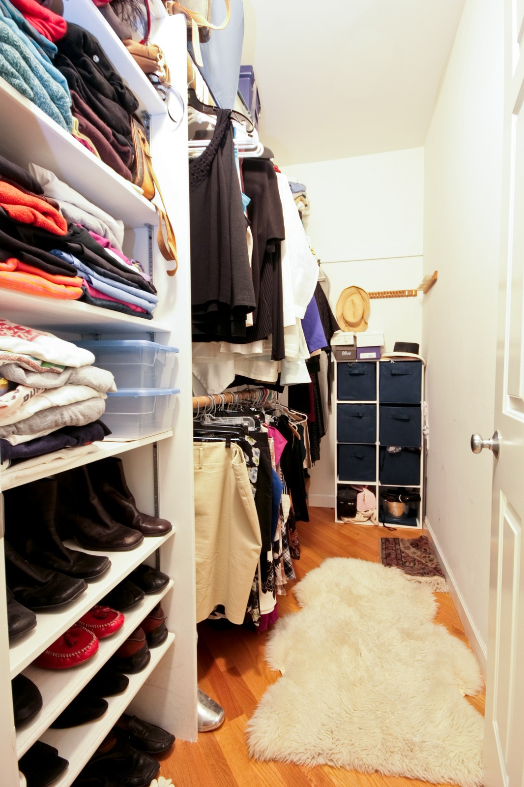 Real Estate Photography - 3705 N Paulina, Unit 3, Chicago, IL, 60613 - Walk In Closet - Floor to ceiling storage