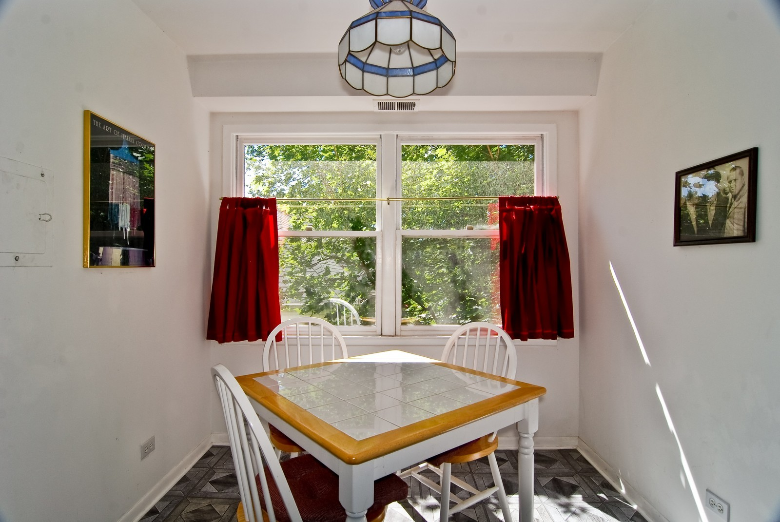 Real Estate Photography - 1535 Park, Unit 305, River Forest, IL, 60305 - Breakfast Nook