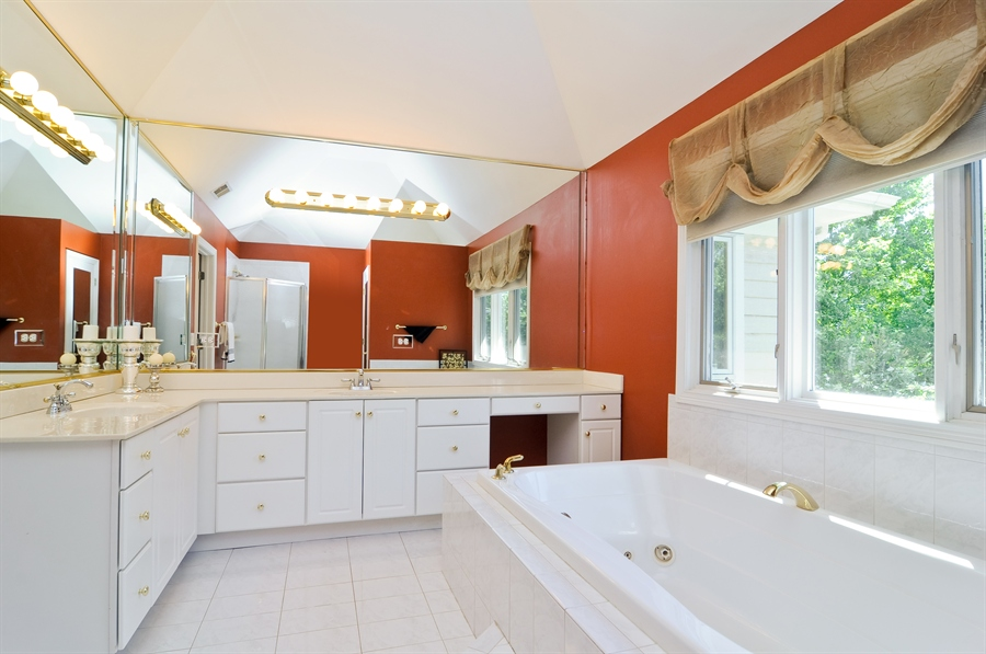 Real Estate Photography - 1016 Oakland, Barrington, IL, 60010 - Master Bathroom