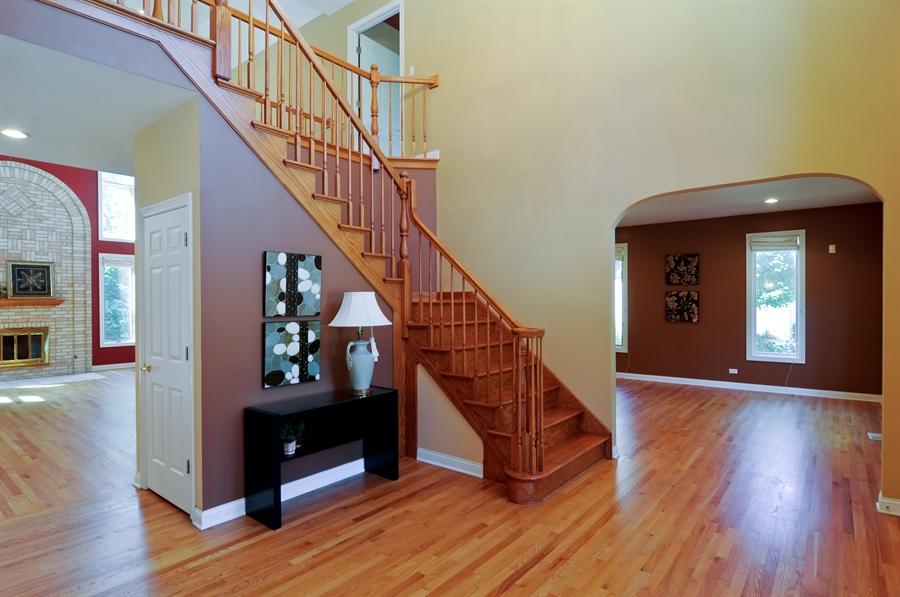 Real Estate Photography - 1016 Oakland, Barrington, IL, 60010 - Foyer
