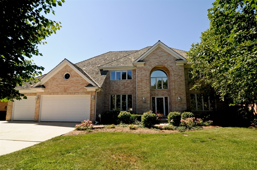 Real Estate Photography - 1016 Oakland, Barrington, IL, 60010 - Front View
