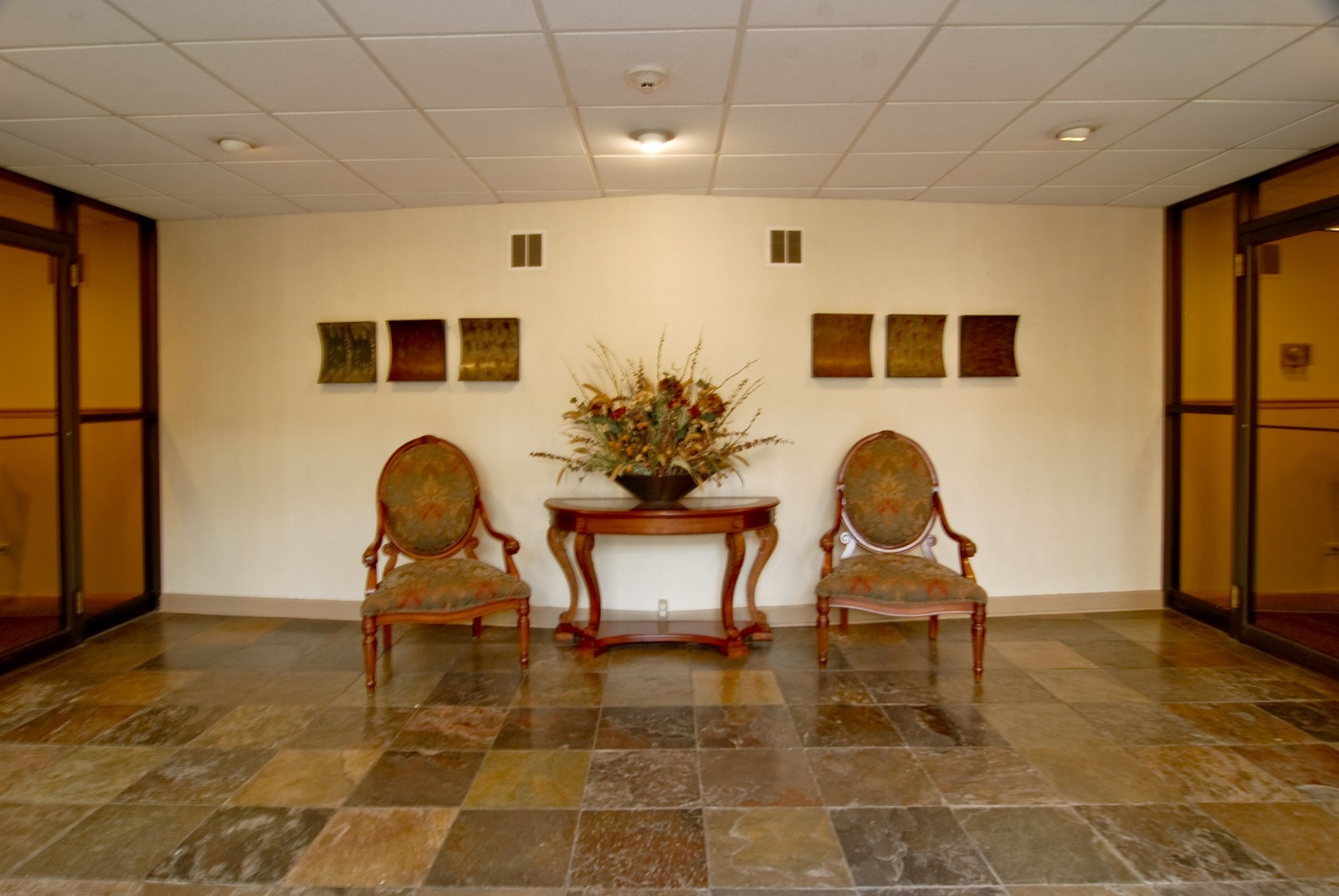 Real Estate Photography - 411 Ashland, Unit 2B, River Forest, IL, 60305 - Lobby