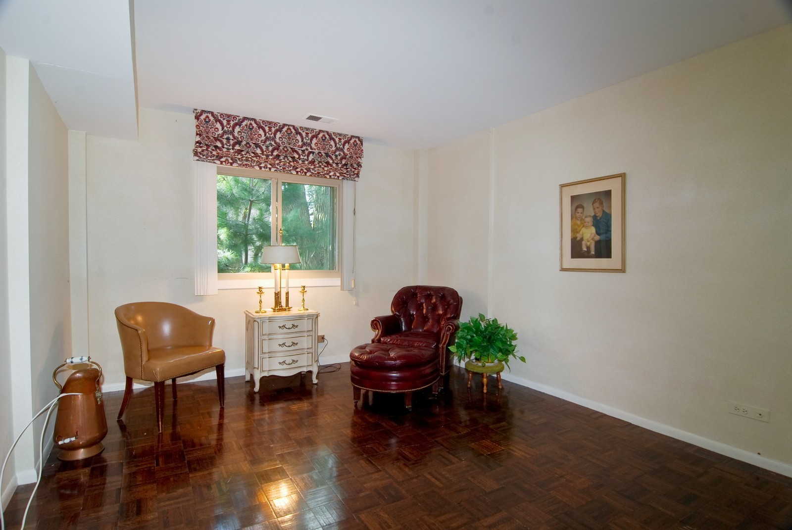 Real Estate Photography - 411 Ashland, Unit 2B, River Forest, IL, 60305 - 2nd Bedroom