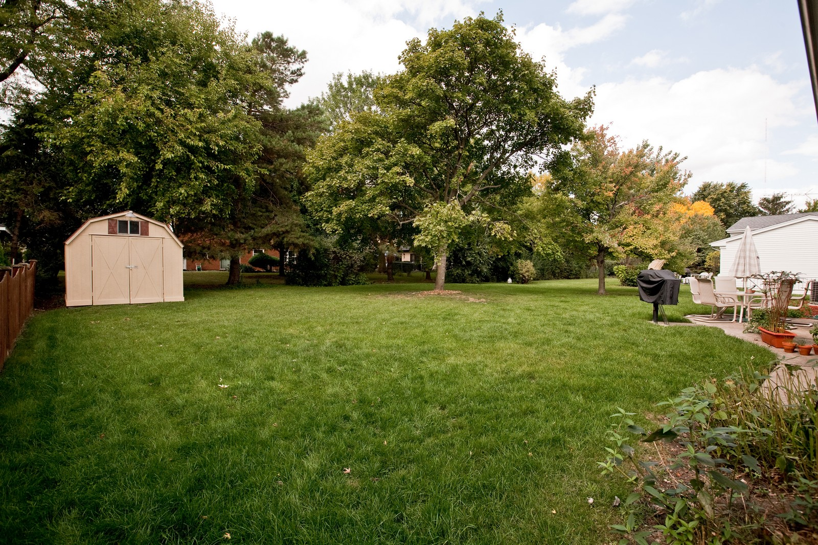 Real Estate Photography - 4050 West End, Downers Grove, IL, 60515 - Back Yard