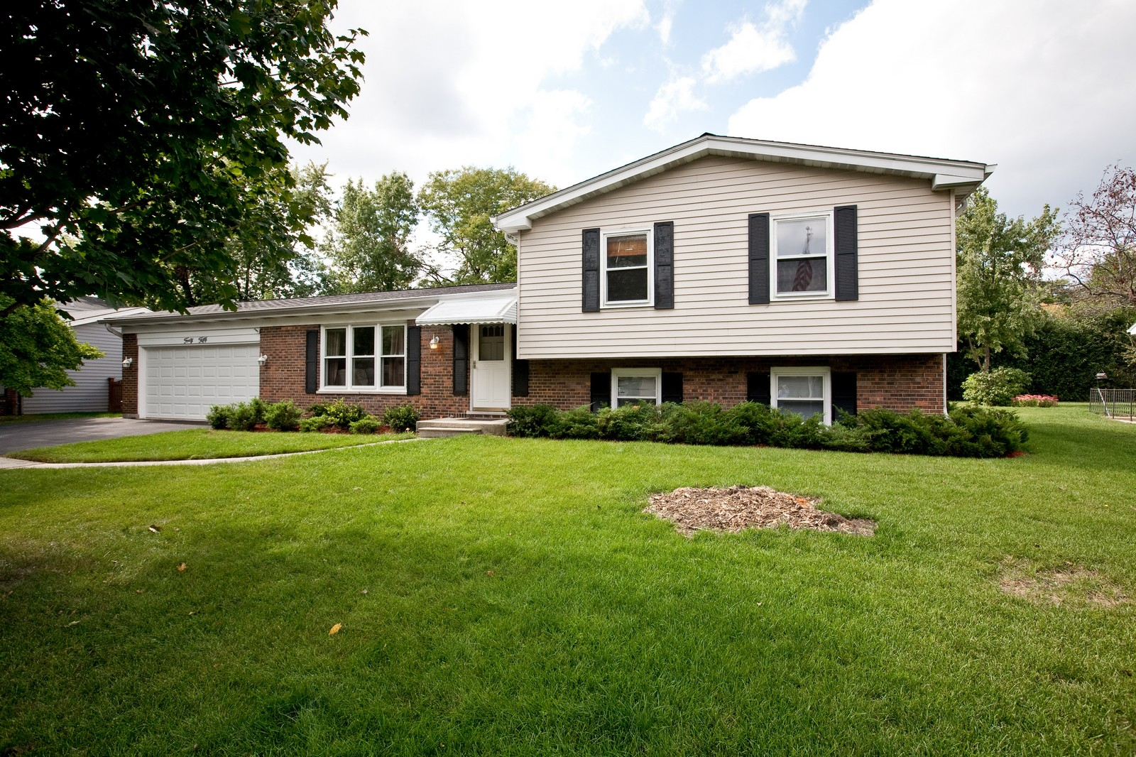 Real Estate Photography - 4050 West End, Downers Grove, IL, 60515 - Front View
