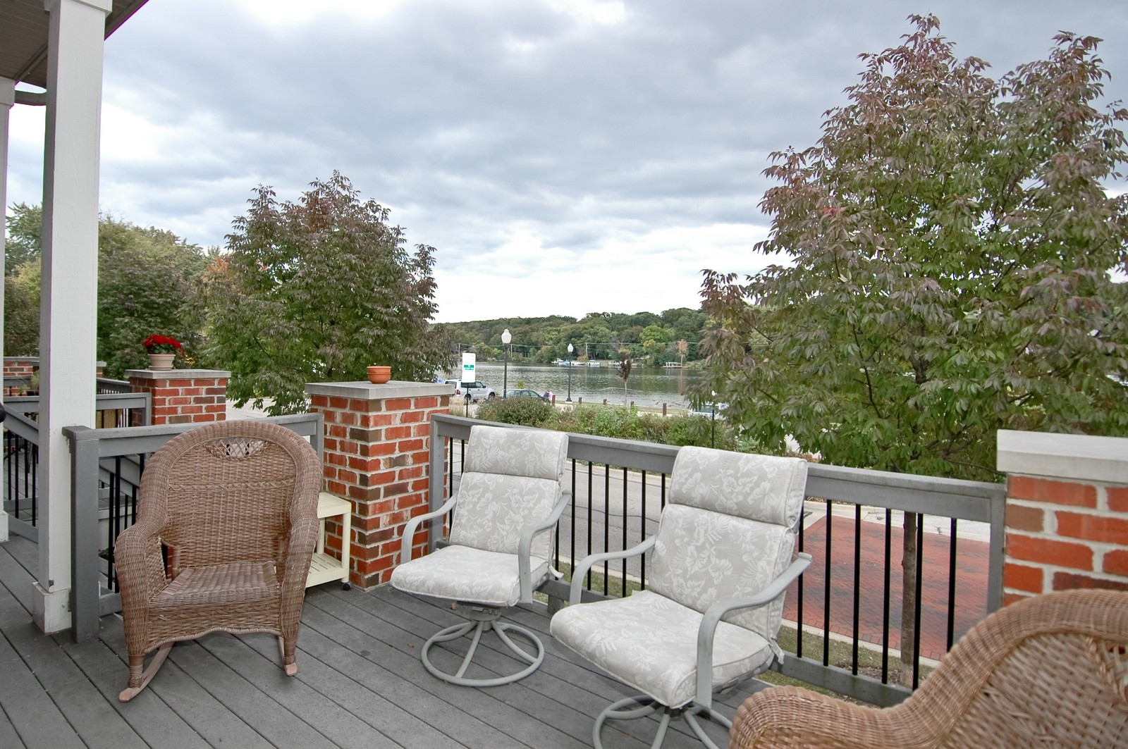 Real Estate Photography - 300 N Harrison, Algonquin, IL, 60102 - Deck