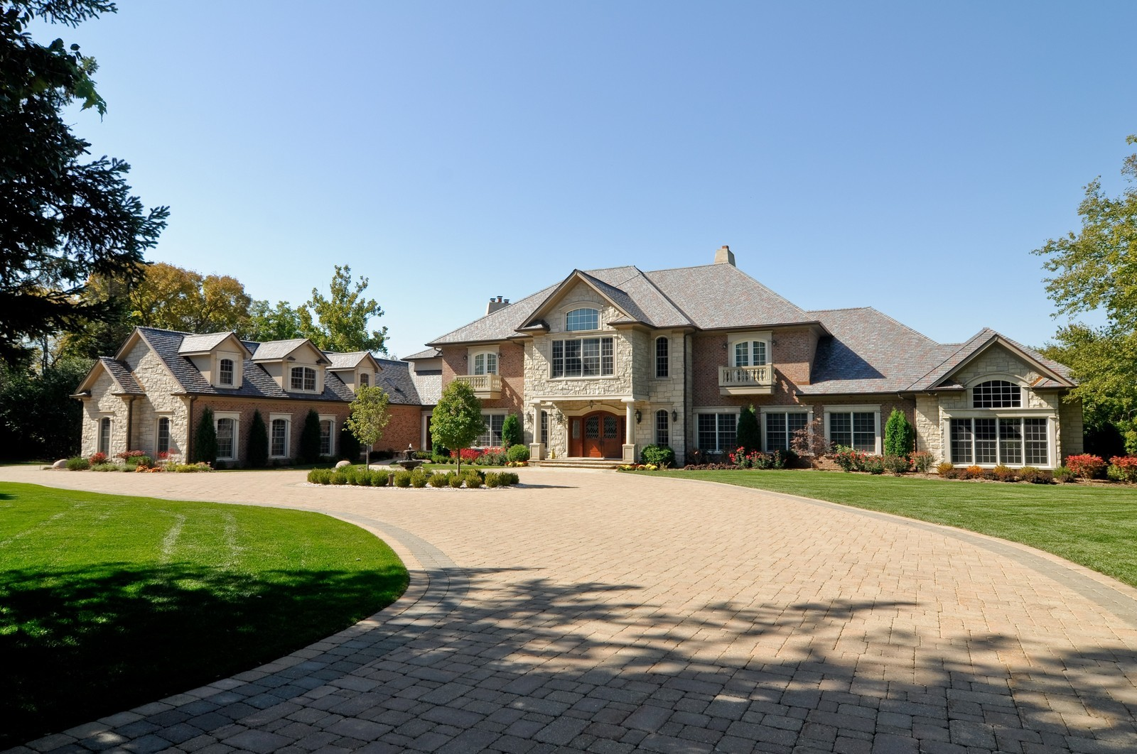 Real Estate Photography - 70 Dundee, Barrington Hills, IL, 60010 - Front View