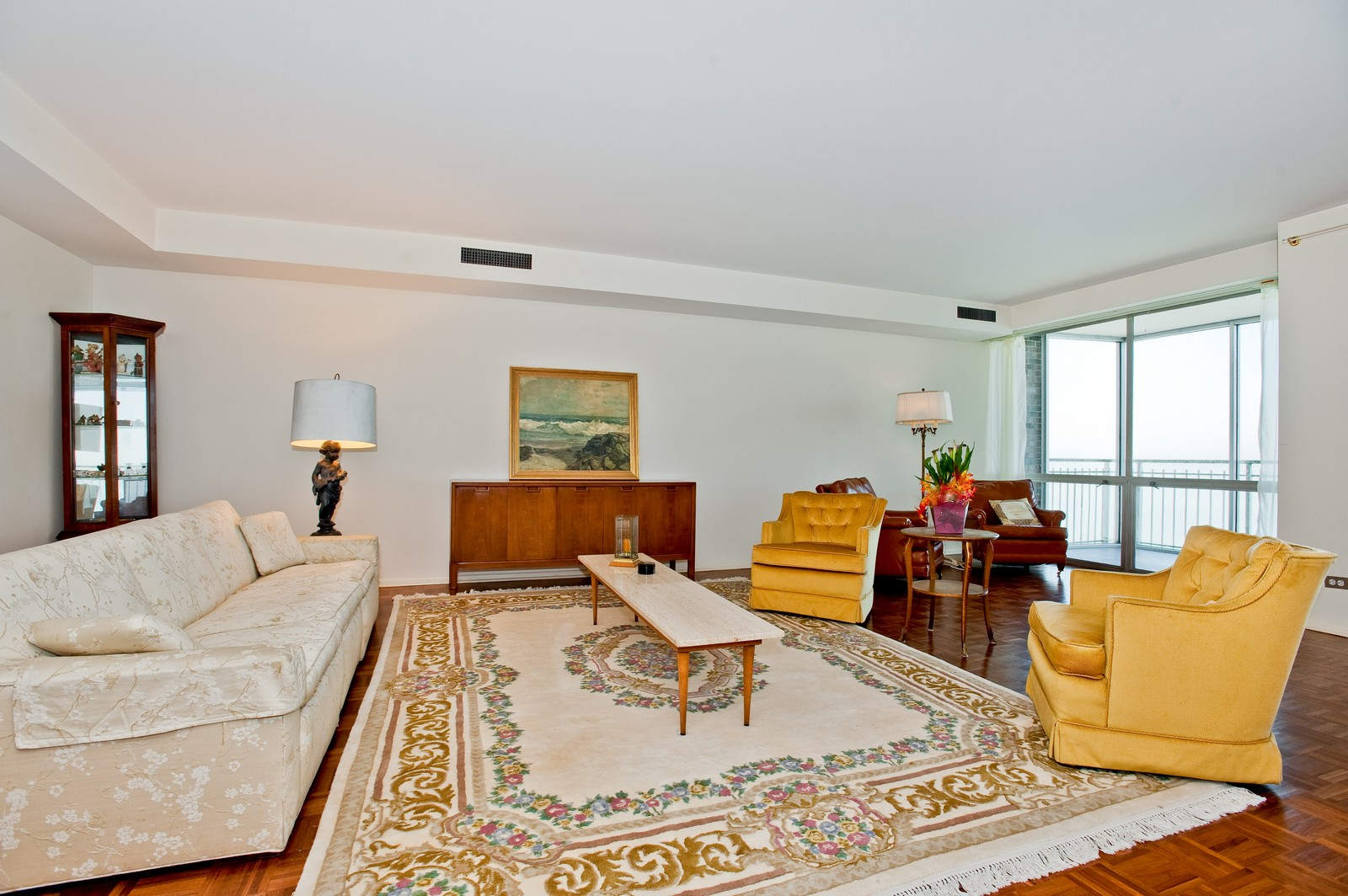 Real Estate Photography - 1616 Sheridan, Wilmette, IL, 60091 - Living Room