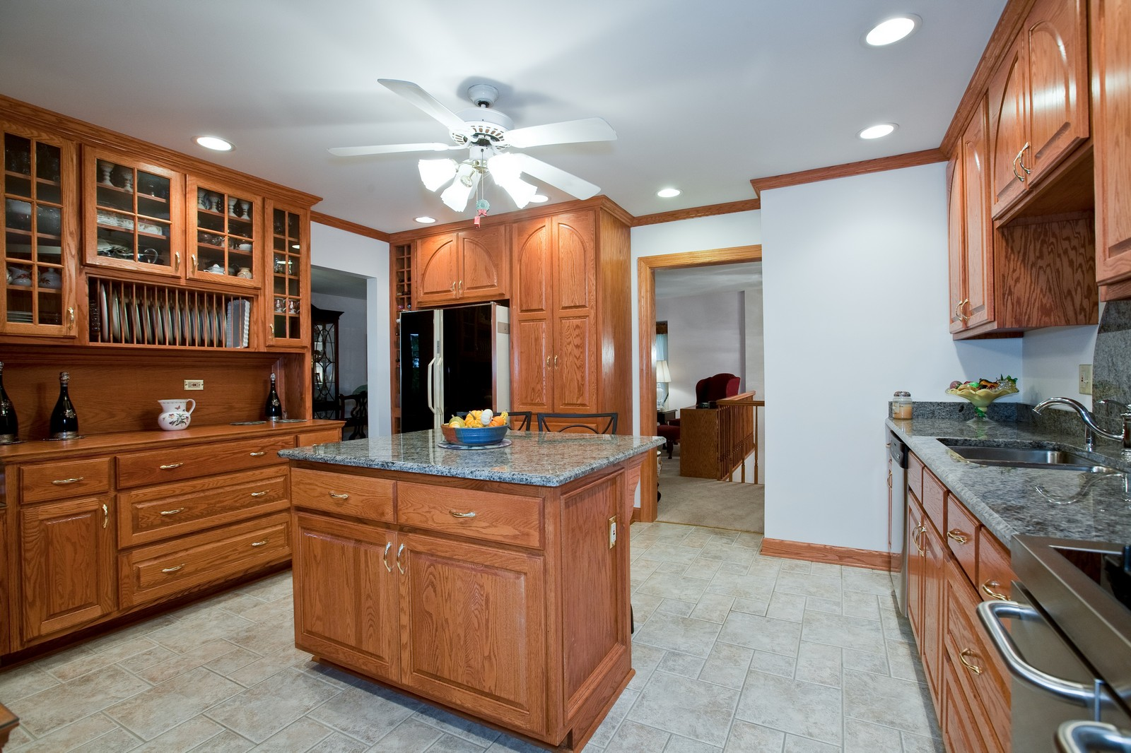 Real Estate Photography - 4402 Black Partridge, Lisle, IL, 60532 - Kitchen