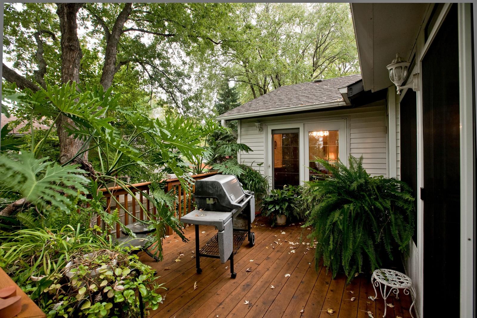 Real Estate Photography - 4402 Black Partridge, Lisle, IL, 60532 - Deck